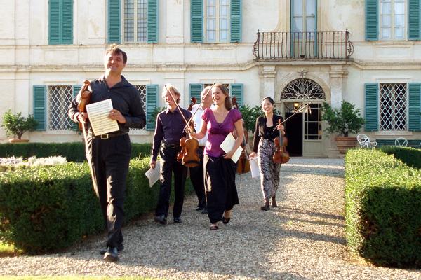 Musicians arriving - Concert at Villa di Geggiano (Photo: Romain d'Ansembourg)
