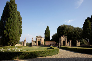 Looking towards the stage in the garden of Villa di Geggiano (Photo: Rob Bouwmeester)
