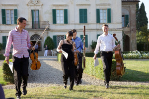 Concert - arriving to play Devienne Bassoon quartet - Villa di Geggiano (Photo: Rob Bouwmeester)