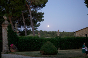 Moonrise - Villa di Geggiano garden (Photo: Rob Bouwmeester)