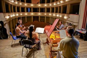 Rehearsal - Bach Concerto - Teatro degli Astrusi (Photo: Rob Bouwmeester)