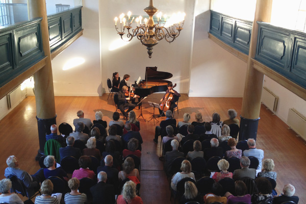 Concert - Vermeer Trio, Uilenburger Synagogue, May 2014 (Photo: Ken Gould)