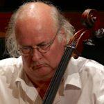 Daniel Esser - cello / violoncello