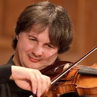Liviu Prunaru - violin / violino